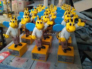 jasa-pembuatan-souvenir-patung-kerajinan
